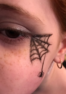 halloween-makeup-spider-web-eye